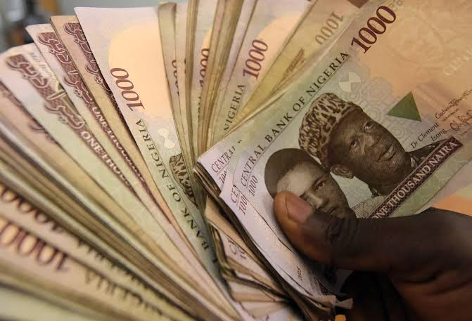 Naira Crashes To Dollar At The Black Market