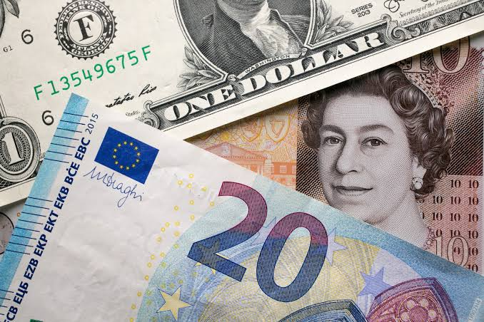 EU Plans To Depend Less on US Dollar