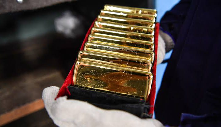 Russia's Reserves Holds More Gold as Putin Focuses on De-Dollarization